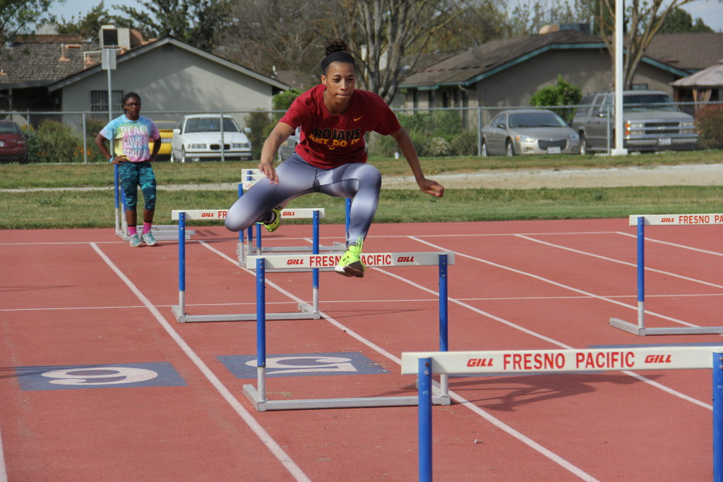 SirenaAlise Hurdle Clinic ar FPU 3-22-2015 (21)
